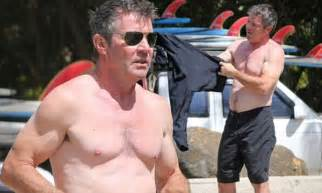 dennis quaid  shirtless  shows   toned abs