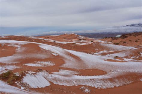 snowfall in sahara desert it actually snowed in the sahara desert and the photos are