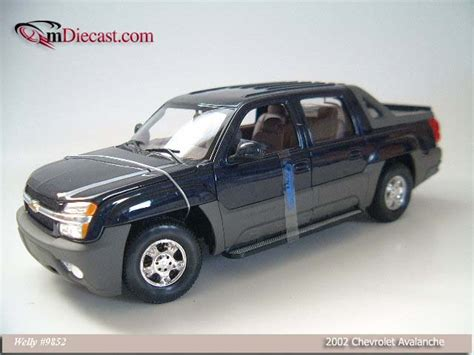 Diecast Welly Chevrolet Avalanche welly 2002 chevrolet avalanche blue 9852 in 1 18