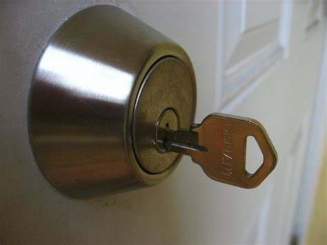 Key Door Lock by How To Lubricate Sticking Door Lock And Key 007