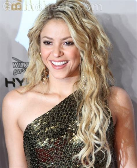 what color is shakira s hair 2015 shakira hairstyles haircut and hairstyles