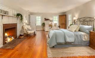 Hardwood Floor Bedroom 15 Master Bedrooms With Hardwood Flooring
