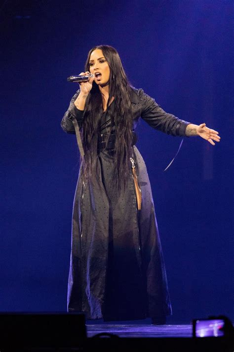 demi lovato and tour demi lovato performing live quot tell me you love me quot tour