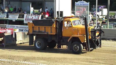 Trucker M 1968 international m series plow truck