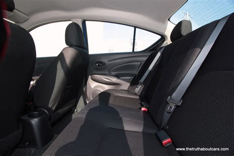2012 nissan versa interior rear leg room 2 picture