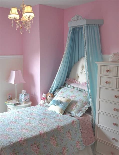 princess bedrooms for girls she s a big girl now princess room project nursery