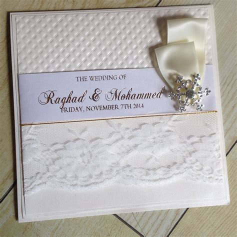 2015 New Design Diamond Embossed Lace Wedding Cards