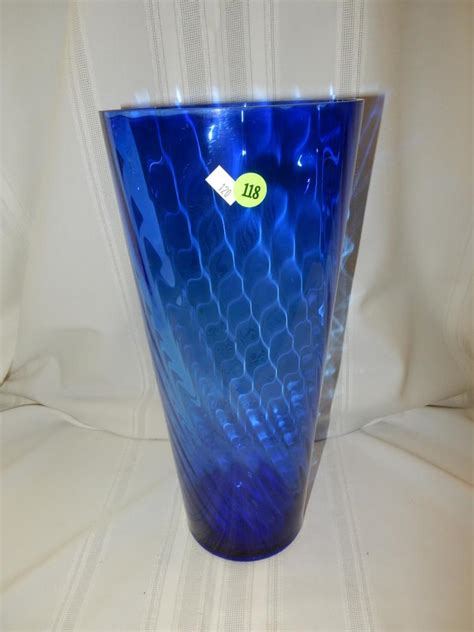 Vases Makers Marks by Lovely Vintage Blue Swirl Glass Vase No Maker S Noted