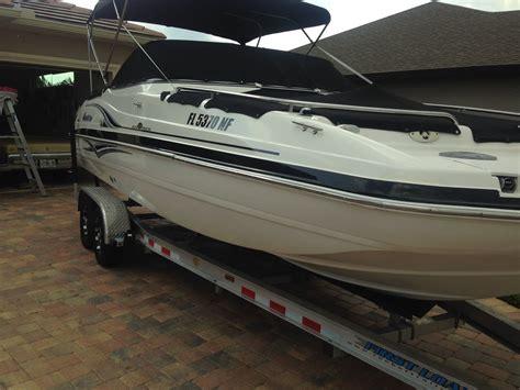 deck boat yamaha hurricane 237 sd deck boat with 200 hp yamaha 4 stroke