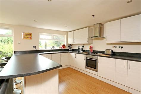 4 bedroom house to rent private landlord 4 bed house detached to rent chingford avenue