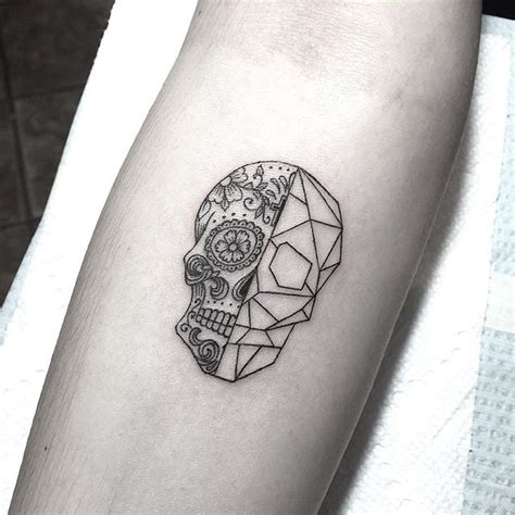 tattoo geometric skull tiny day of the dead geometric skull tattoo pinterest