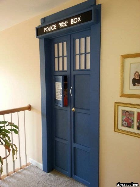 doctor who bedroom door 25 best ideas about tardis door on pinterest doctor who bedroom doctor who and