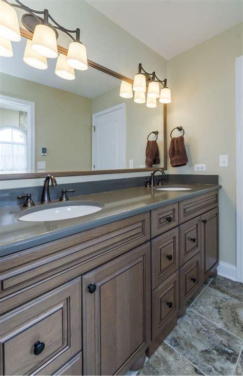 jack n jill bathroom ideas 22 best images about home jack n jill bathrooms on pinterest large bathrooms