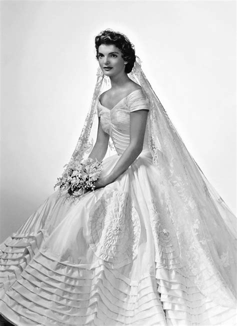 Jackie Kennedy Wedding Gown by Jacqueline Bouvier Kennedy S Wedding Dress And Veil