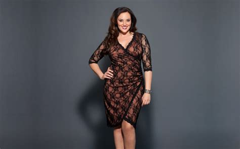 Dress Slimmer s clothing that will help you look slimmer after 40