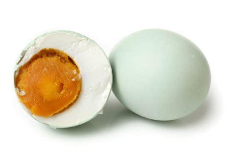 membuat telur asin gurih langkah cara praktis membuat telur asin yang masir resepkoki