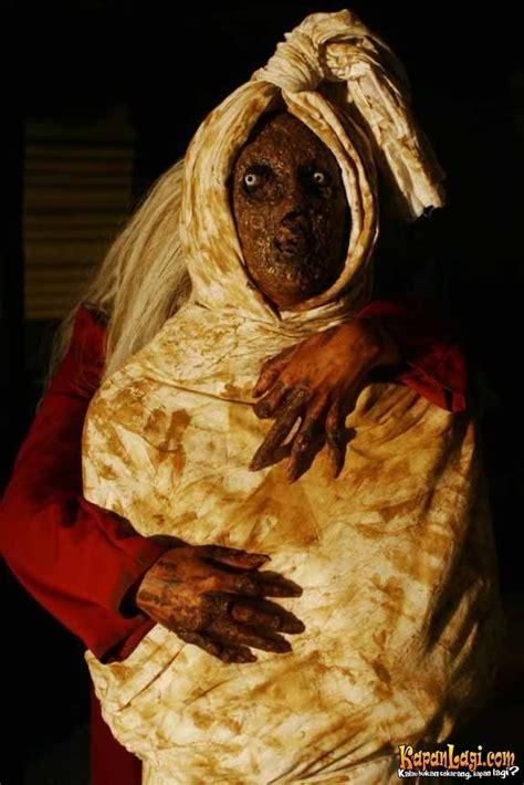 film hantu pocong full movie foto hantu ramalan primbon kuntilanak november 2008