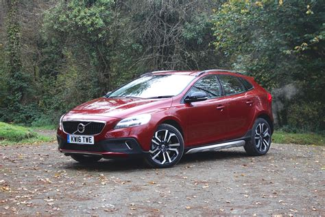 volvo  cross country  quick review  perfect winter hatchback