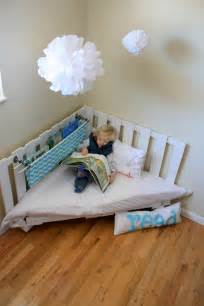 Reading Chair Design Ideas How To Make A Reading Nook Using Two Wooden Palettes Part 1