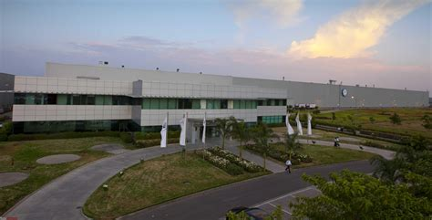 skoda aurangabad plant volkswagen adds third production shift at its pune plant