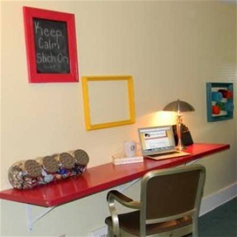 Diy Closet Desk Closet Door Desk Diy Home Office Tip Junkie