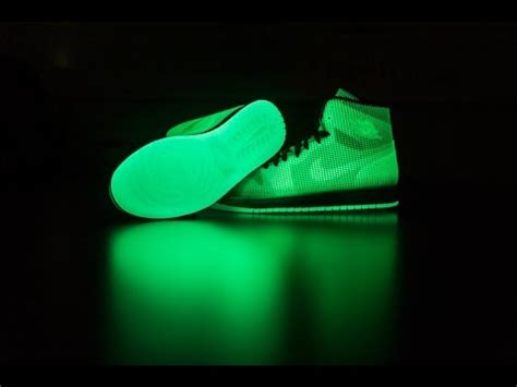 Nike Air 4 Lab 1 Glow In The Original Unboxing Nike Air 4 Lab 1 Glow Reflective