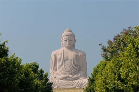 Buddha Statues Home Decor by Buddha Purnima Vesak In India