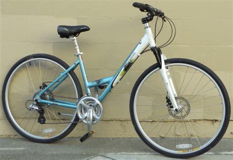 Aluminum Comfort Bike by 17 Quot Diamondback Vital 3 Aluminum Comfort Commuter Bike 5
