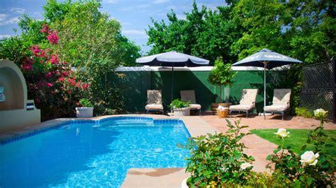 imagenes jardines con piscina consejos para decorar jardines con piscina detalles