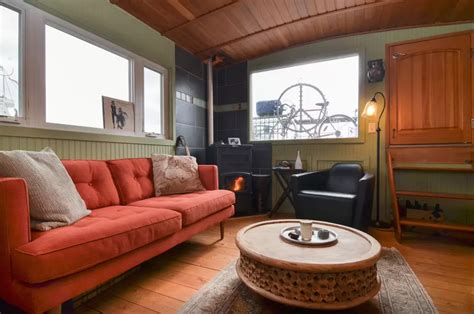 seattle house boat rentals 5 amazing houseboats you can rent on airbnb