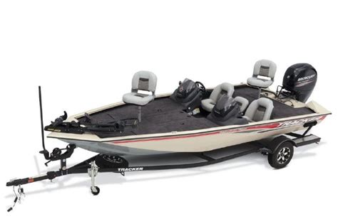 tracker boats employment inventory boat details page d r sports center in
