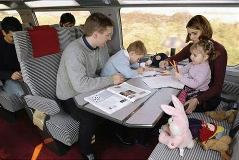 Jaket Selimut Api 6 tips nyaman membawa anak travelling naik kereta api