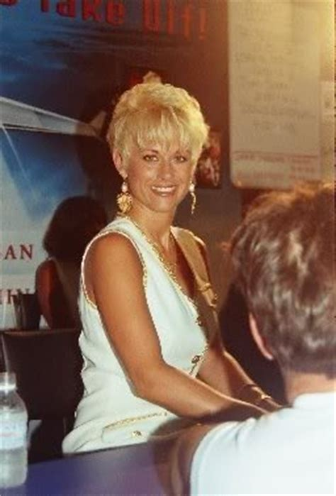 lorrie morgan 1988 hairstyle 17 best images about hairstyles on pinterest oval faces