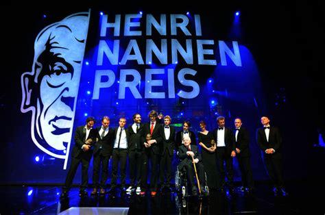 Essay Henri Nannen Preis by Preistr 228 Ger Und Jury Beim Henri Nannen Preis The European