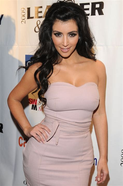 photos hot kim kardashian les plus belles photos de kim kardashian hot et sexy