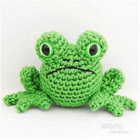 amigurumi pattern frog thursday handmade love week 117 frog crochet addict uk