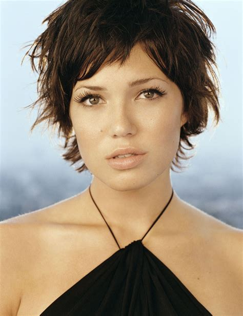 mandy moore music video hairstyles mandy moore short hair pinterest