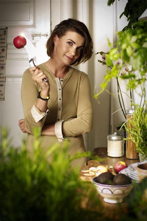 Best Fragrant Plants - floradania marketing modern housewife