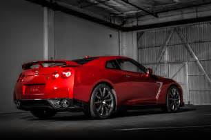 Gtr Nissan 2015 2015 Nissan Gt R Rear Three Quarters 03 Photo 33