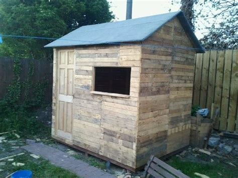 Wood Pallet Garden Shed by Pallet Wood Shed