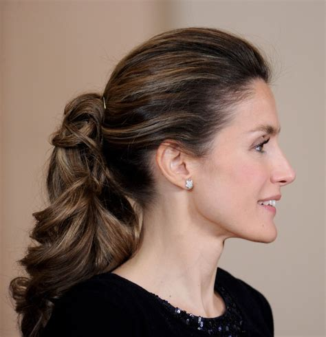 spanish women hairstyle curly ponytail on princess letizia of spain fashion