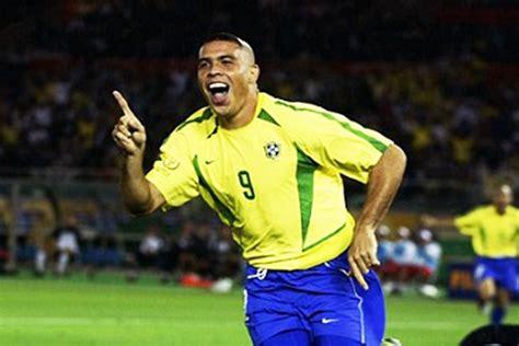 ronaldo lima juventus buffon hails ronaldo de lima as football superstar created in the lab completesportsnigeria