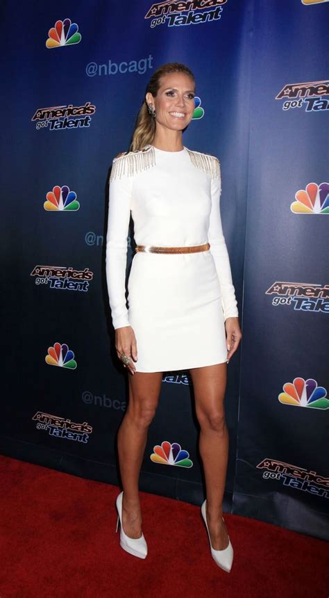 heidi klum nails  winning  wearing  leg baring