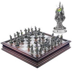 Fantasy Chess Set Fantasy Of The Crystal Chess Set The Danbury Mint