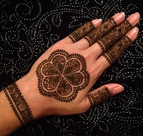henna design circle circle mehndi ideas on back hand and fingers fashion