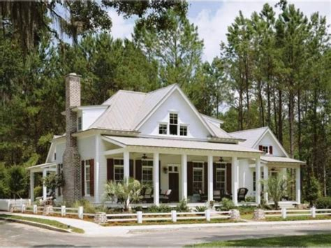 small farmhouse plans wonderful 1000 ideas about bungalow homes plans on