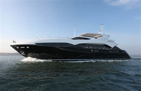 yacht spot the famous sunseeker