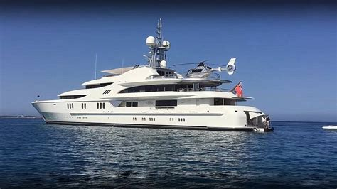 donald trump yacht yachts suggest trump s ties with russia