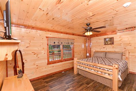 Majestic Cabin In Pigeon Forge Tn by Pigeon Forge Cabin Majestic Lodge