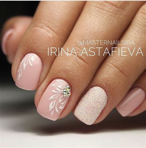 beige color nails 25 beautiful beige nail ideas on beige